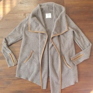Abercrombie & Fitch easy open cardigan sweater M